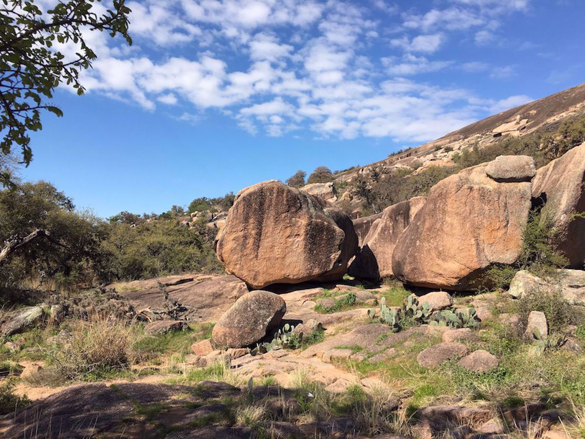 Enchanted Rock State Park approach