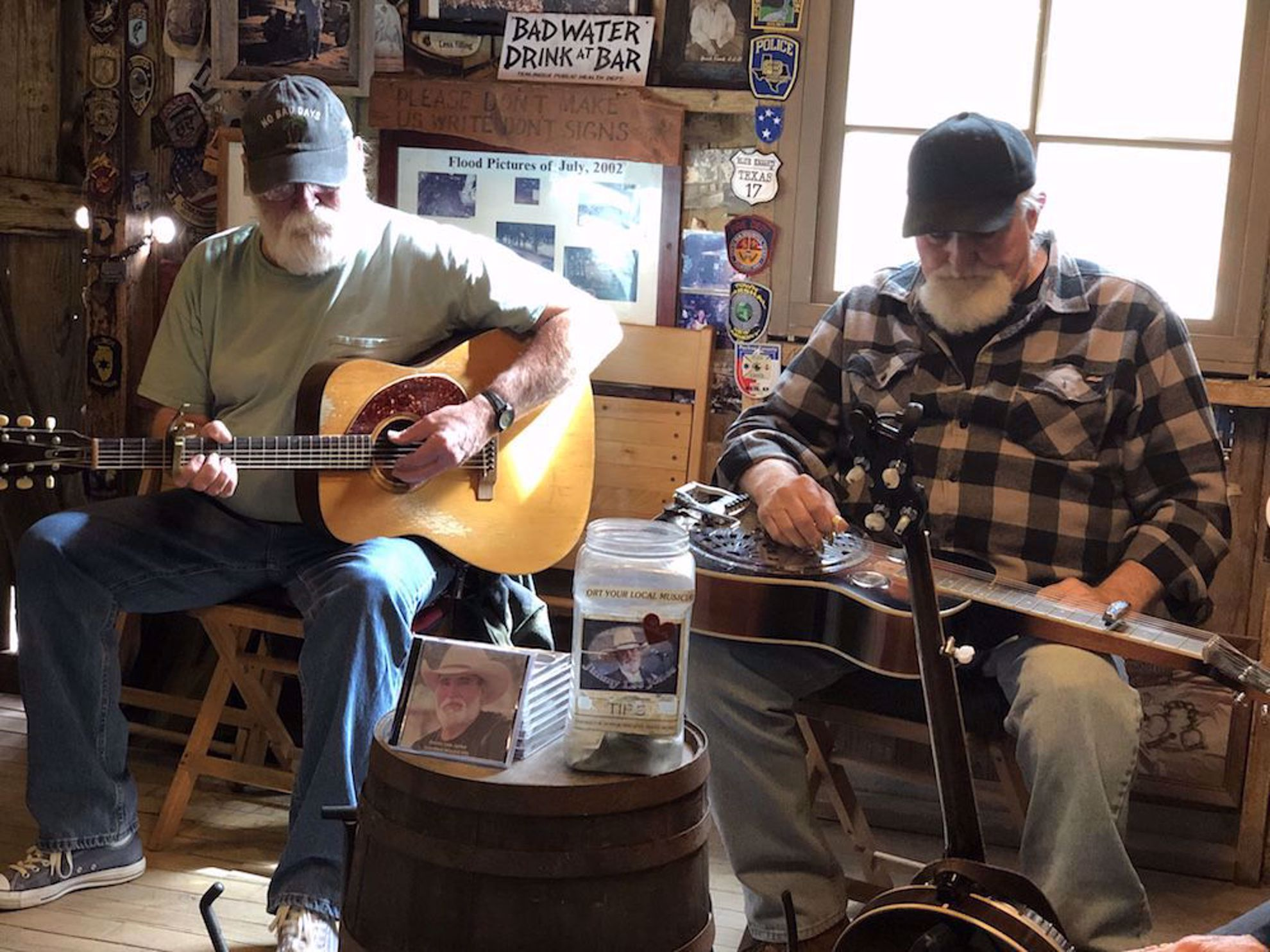 Guitar players in Luckenbach Texas