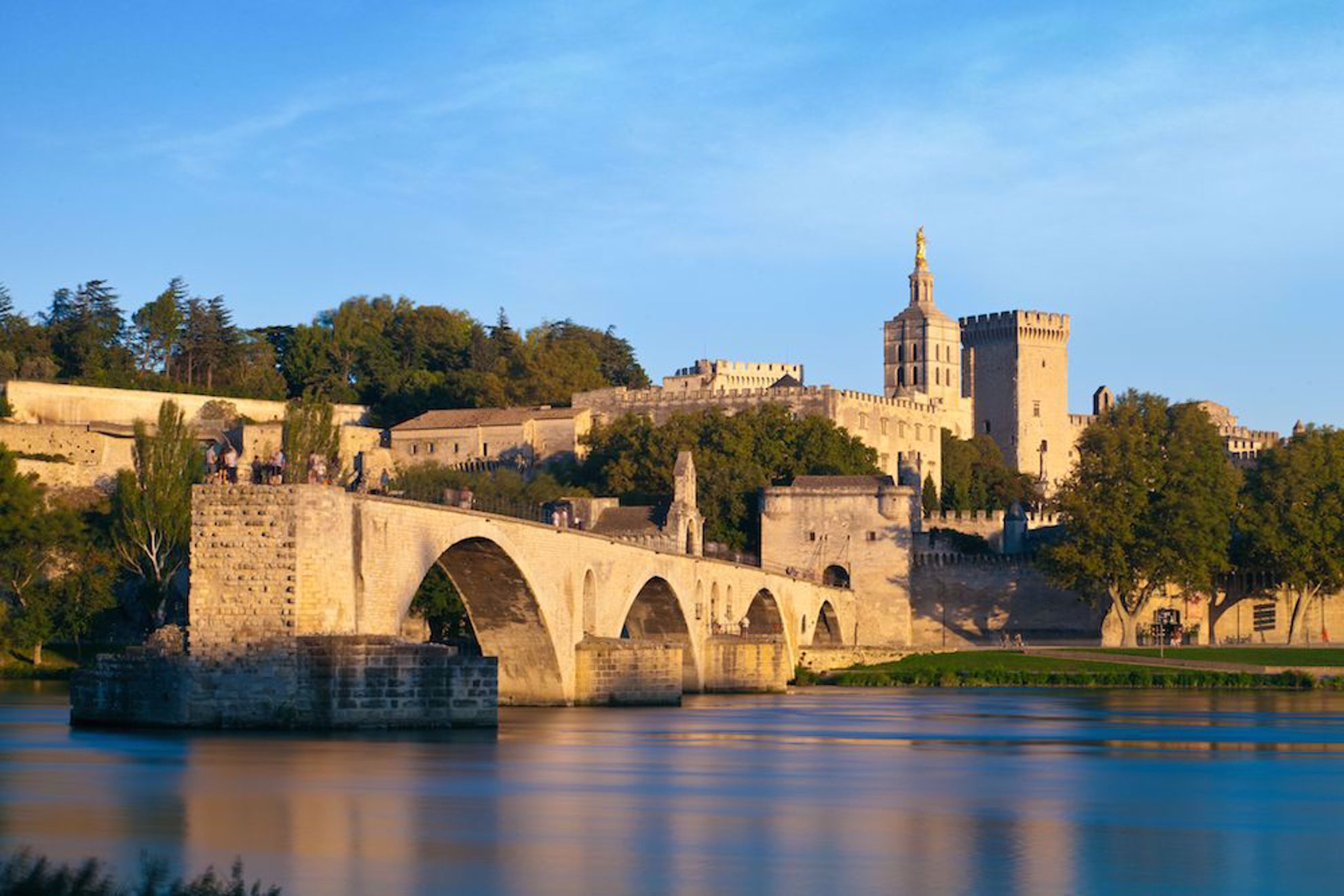 Avignon ancient bridge