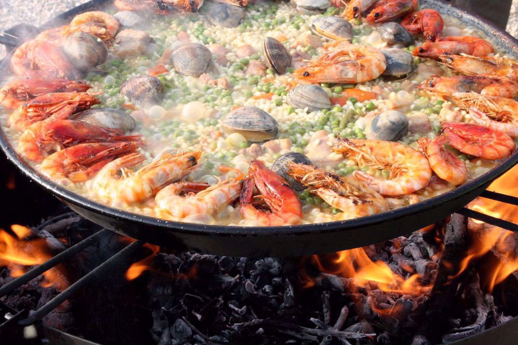 Paella seafood dish
